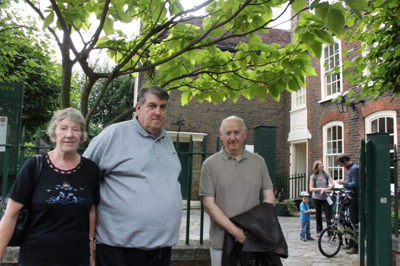 Vestry House Museum (Entrance) - Joan & John McLaren, Dick Dunn