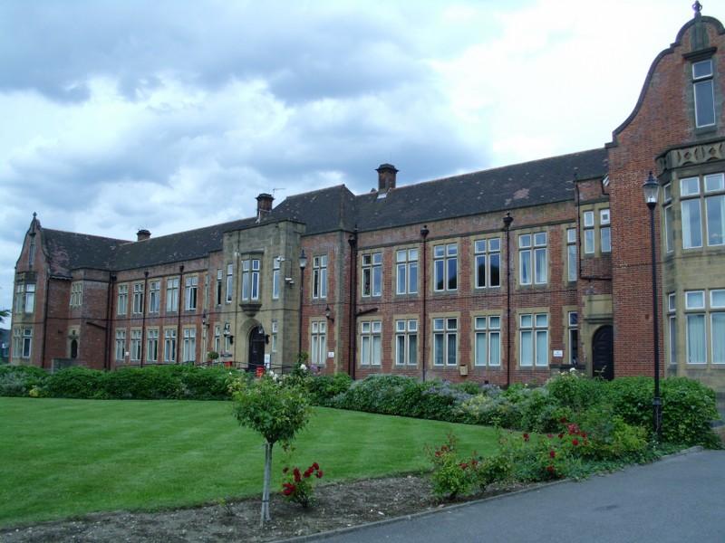 Monoux College 15