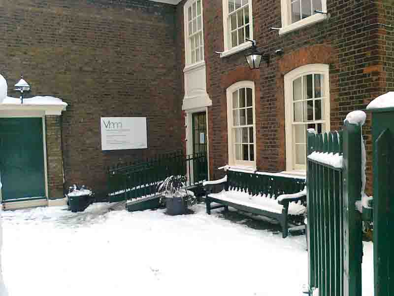 Vestry House Museum in the snow - 2010